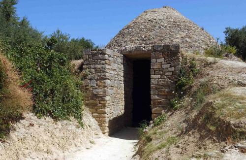 Mycenaean vaulted tomb from Nestor's Palace