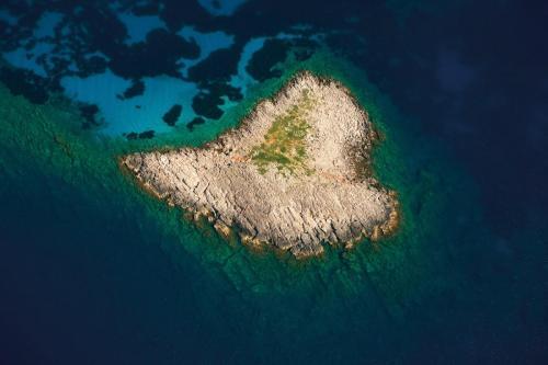 """Sapientza """"Heart"""" island"""